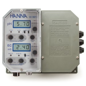 HI-9913-2 Industrial Grade pH and Conductivity Controller with proportional control of fertilisation