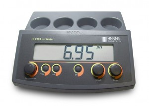 HI-2209 pH/mV Bench Meter with Manual Calibration