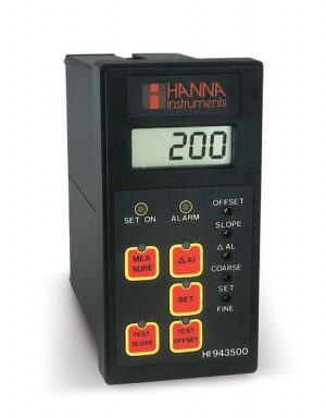 HI-943500D Conductivity Controller (Low Range @ 199.9 µS/cm)